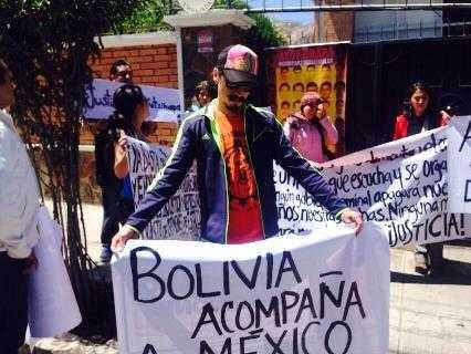 Ayotzinapa-mundo (1)