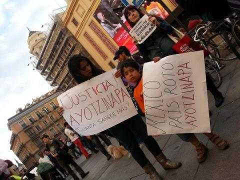 Ayotzinapa-mundo (2)