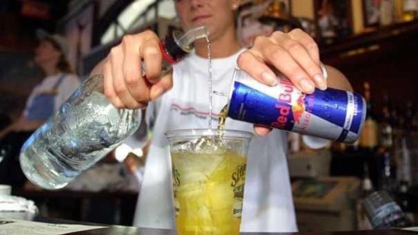 La OMS advierte de los riesgos del uso excesivo de bebidas energéticas