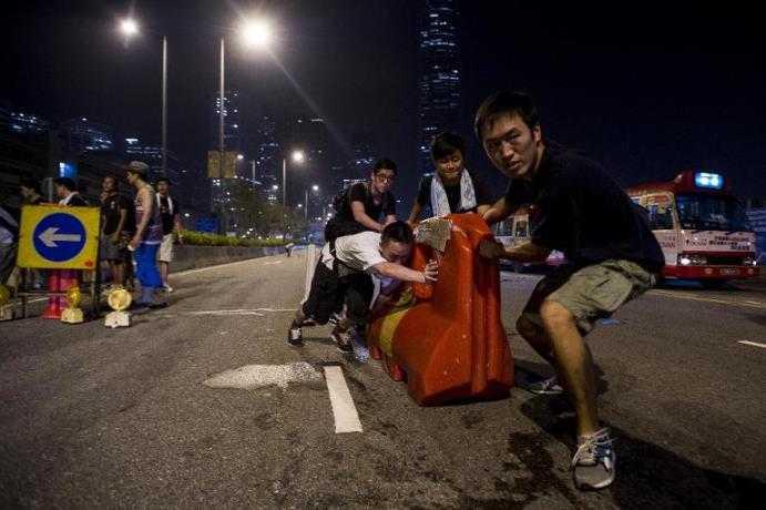 Manifestantes de Hong Kong suspenden el diálogo con el Gobierno