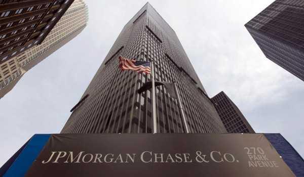 """Los """"arrepentidos"""" que hacen temblar a los bancos"""