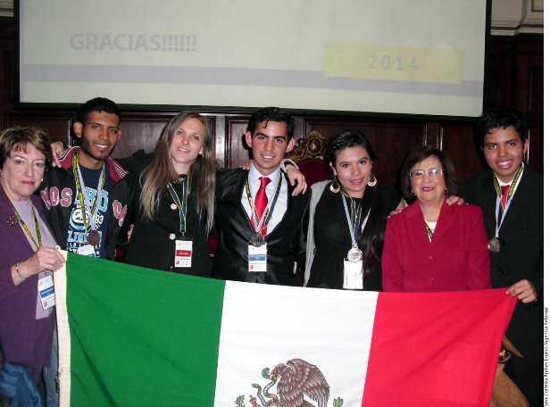Estudiantes mexicanos triunfan en Olimpiada de Química