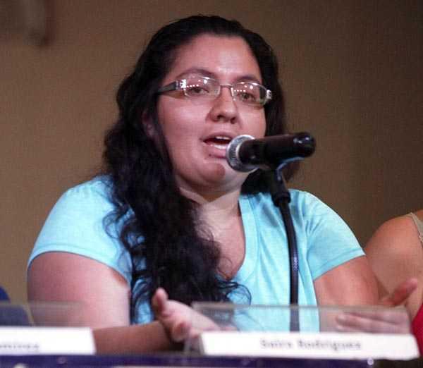Hija de Nestora Salgado se exilia por amenazas de muerte