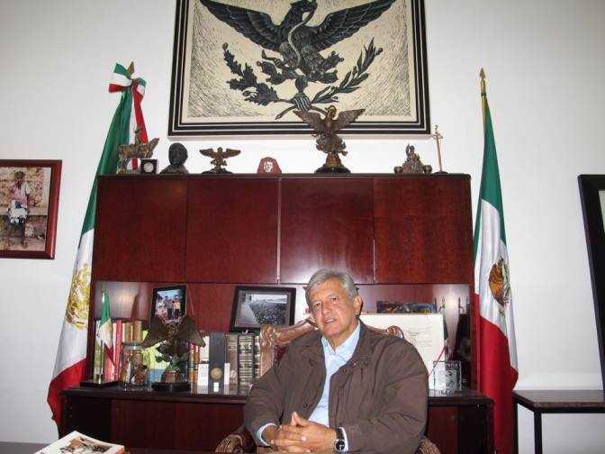 López Dóriga y Loret de Mola callan la corrupción de Peña Nieto: AMLO