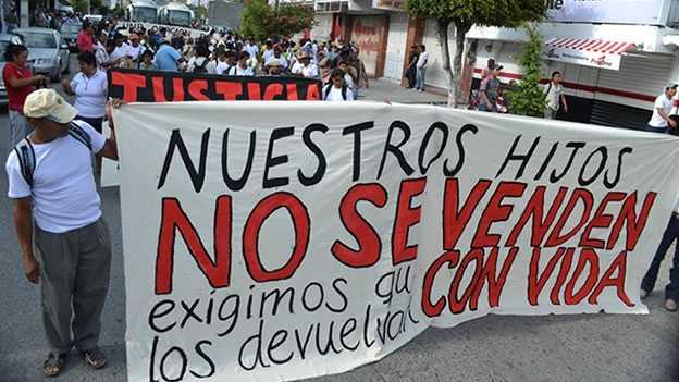 Que se investigue a ejército y policía federal: familiares de Ayotzinapa