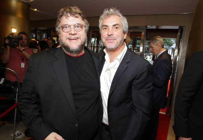 Alfonso Cuarón y Del Toro exigen justicia por normalistas de Ayotzinapa