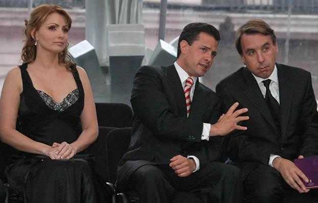 el-25-de-junio-de-2009-anglica-rivera-y-el-entonces-gobernador-pea-nieto-estuvieron-junto-a-emilio-azcarraga-jean-presidente-de-grupo-televisa-en-la-presentacin-de-la-campaa-mujeres-con-valor