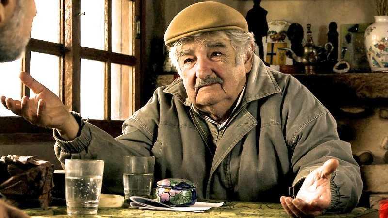 Hay que correr de la política a quienes les gusta mucho el dinero: Mujica