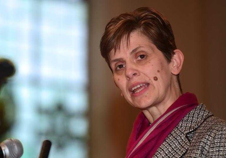 Iglesia de Inglaterra nombra a su primera mujer obispo