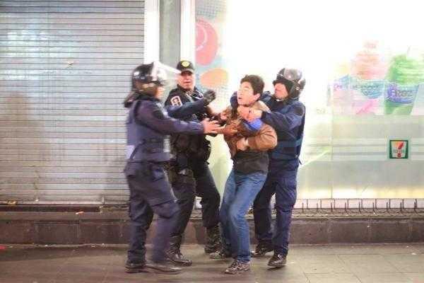 Represión arbitraria de policías no sólo es ilegal, es tortura: ONU