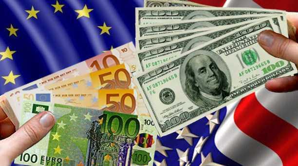 Euro sigue cayendo frente a dólar, pronto podría valer igual