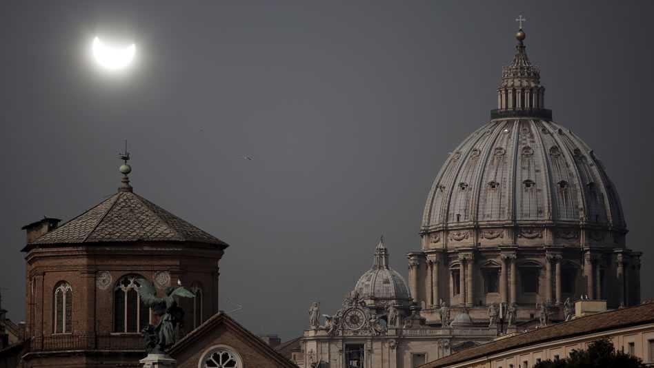 Policía italiana desmantela orgía en el Vaticano; decomisaron grandes cantidades de droga