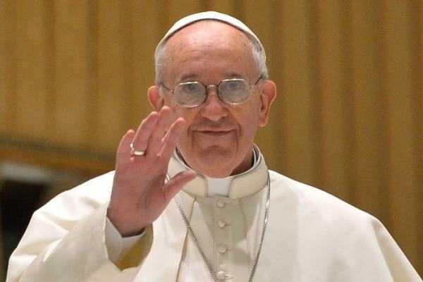 Francisco I: Gente poderosa no quiere la paz porque vive de las guerras