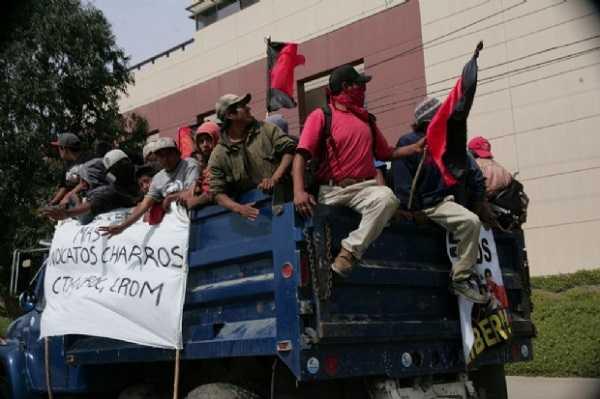200 pesos a jornaleros de San Quintín