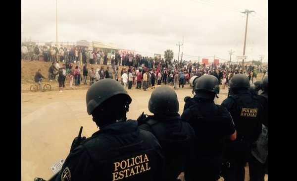 Policías estatales disparan a jornaleros del valle de San Quintín (Videos)