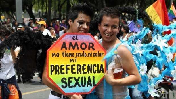 Que Peña Nieto presente reforma pro matrimonio gay: Morena