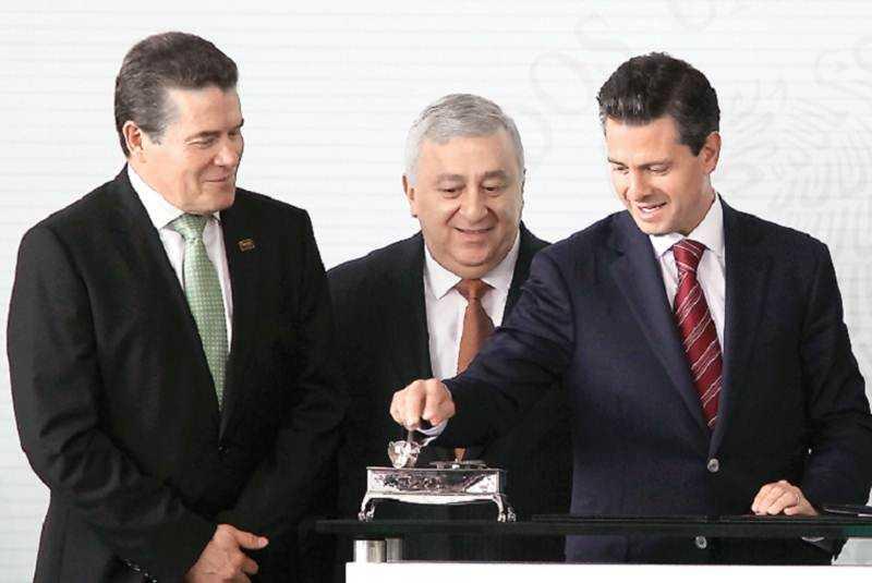 Llueve o truene se evaluará a CNTE, quien piense lo contrario ofende a Peña: Chuayffet