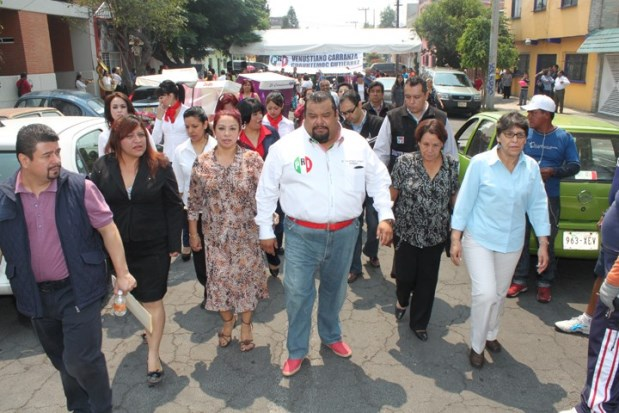 """Protestan contra Mancera para evitar la impunidad del """"rey de la basura"""""""