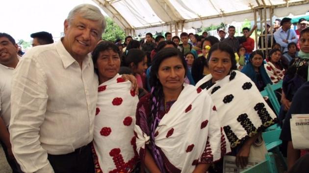 """Peña Nieto y Osorio Chong deben renunciar, por fuga de """"El Chapo"""": AMLO"""