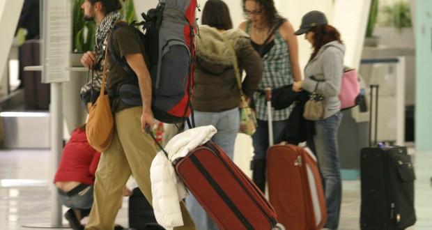 Viajeros_aeropuerto3-620x330