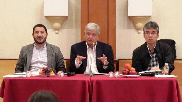 López Obrador anuncia reunión con la CNTE y condena traición de Gabino Cué