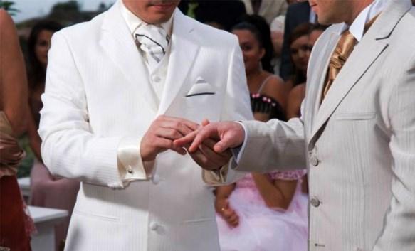 Primer matrimonio gay en Acapulco a pesar de oposición de alcalde