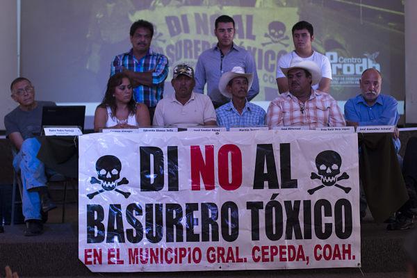 Violencia y engaños para imponer basurero tóxico en Coahuila