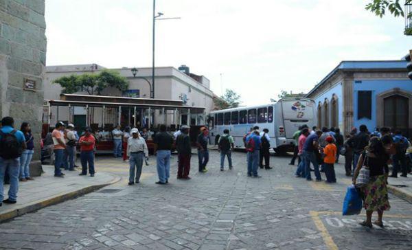 CNTE rompe con Gabino Cué, anuncia bloqueos y toma del Auditorio del Guelaguetza