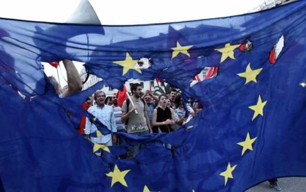 """Grecia logra acuerdo """"draconiano"""" con Europa"""