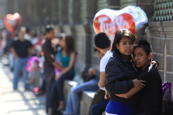 """22.4 % de jóvenes mexicanos son """"ninis"""": OCDE"""