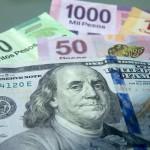 Peso mexicano se desploma por referendo en Grecia