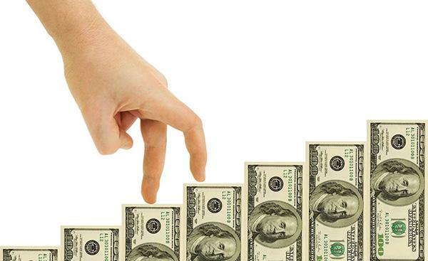 Dólar escala a un valor histórico,  se vende en $16.75