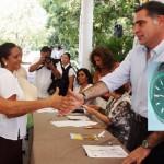 Gabino Cué gasta en reloj caro, gobernando estado pobre y endeudado
