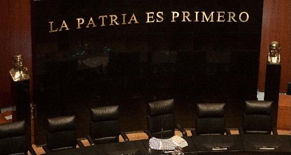 En lo 'oscurito' votarán senadores sobre Fiscal Santiago Nieto, a quien despidió Peña