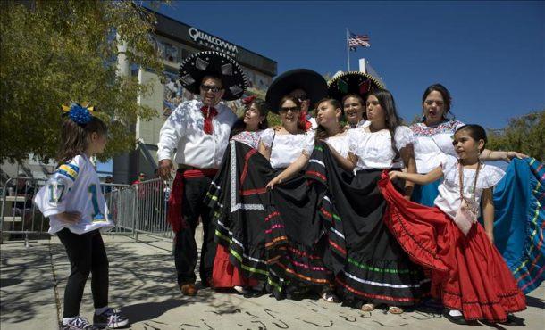 """Mexicanos piden cancelar Grito en Carolina del Norte, consideran que el país está de """"luto"""""""
