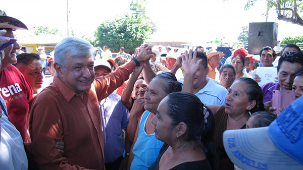 AMLO amenaza con cortar la luz a Arturo Núñez por abusos de CFE