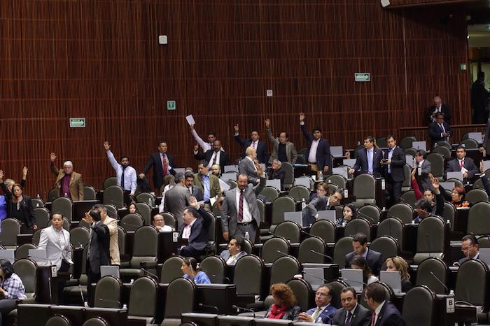 Casi 100 legisladores pedirán licencia para 'brincar' a otros cargos