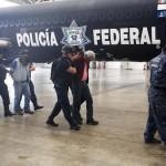 Dictan auto de formal prisión a otros dos maestros