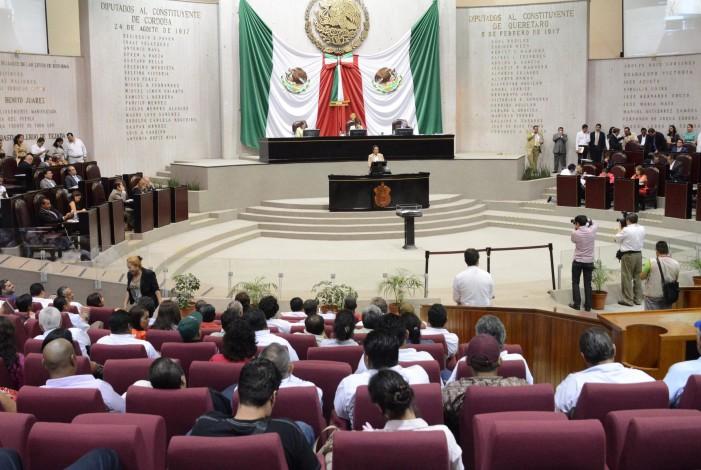 """Acoso sexual y """"moches"""" en el Congreso de Veracruz"""