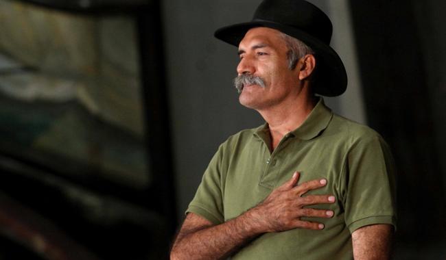 Mireles manda un mensaje y pide que 'no se rajen' con su liberación