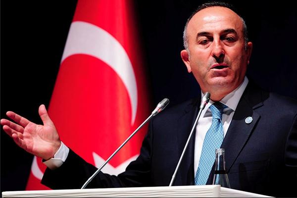 """Turquía amenaza a Rusia: """"nuestra paciencia se está agotando"""" Mevlut Cavusoglu"""