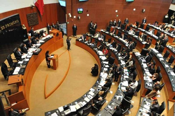 Senado aplaza por un año apagón analógico a televisoras públicas