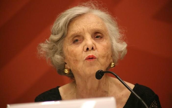 Durante la Feria del Libro en Oaxaca, Poniatowska refrenda su apoyo a AMLO