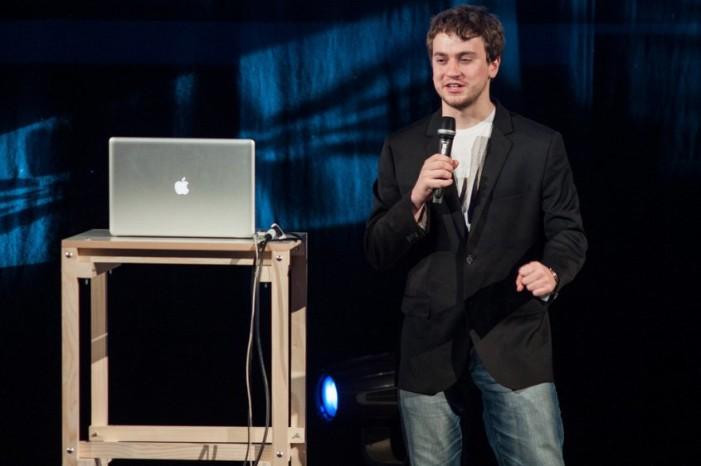 Primero hackeó iPhone y Play Station, ahora crea coche autónomo en casa
