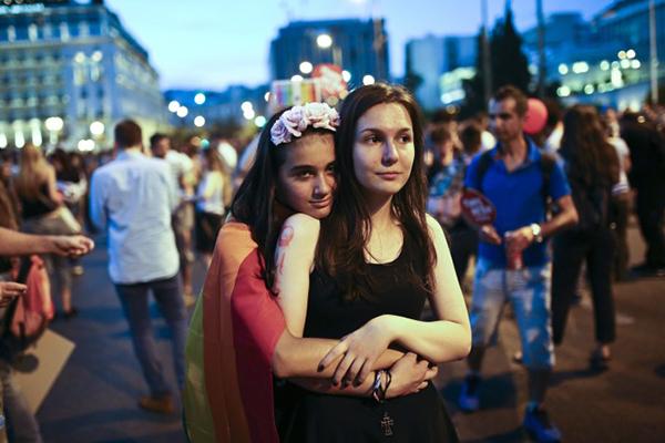 Grecia legaliza las uniones gay