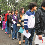Alumnos de la UNAM preparan a aspirantes para el examen de ingreso a bachillerato