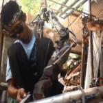 Soldador se construyó un brazo biónico con chatarra (VIDEO)
