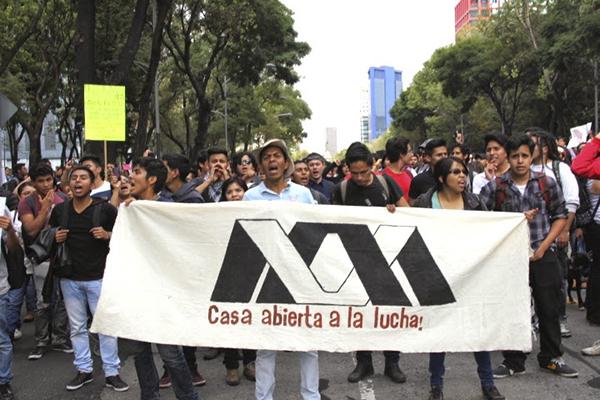 Justicia para Ayotzinapa exigen académicos y estudiantes de la UAM-I