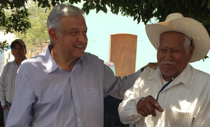 Urge rescatar el campo mexicano y pagar lo justo al campesino: AMLO