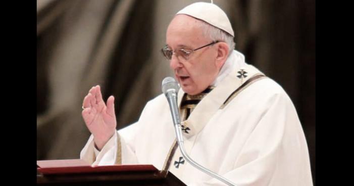 Papa Francisco pide poner fin a violencia en Venezuela
